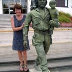 Santa Clara - Helga im Gleichschritt mit Che Guevara